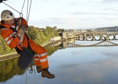 bridge_worker_with_drone